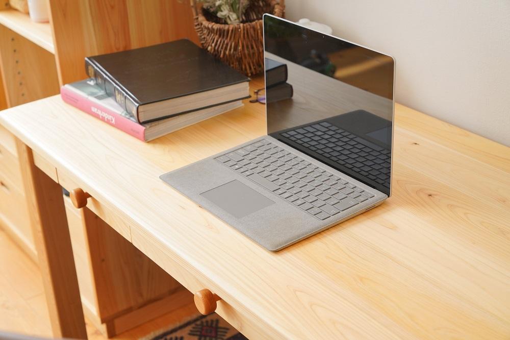 ヒノキの学習机