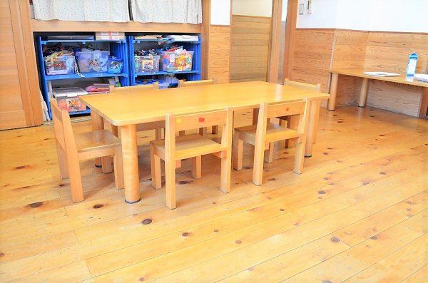 保育園用長テーブル