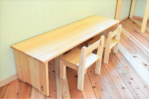 2歳用木製テーブル