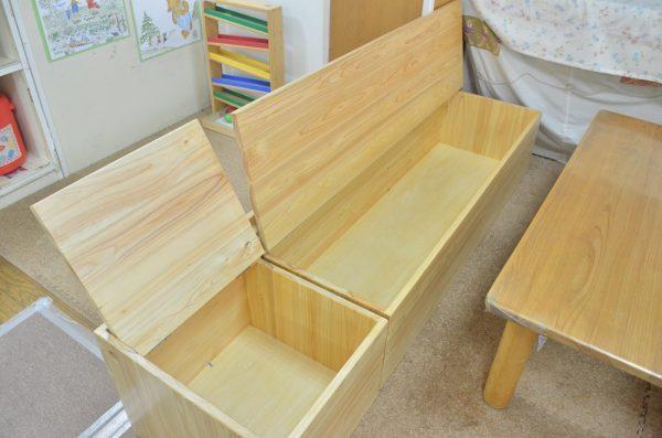 乳児用ベンチ兼収納