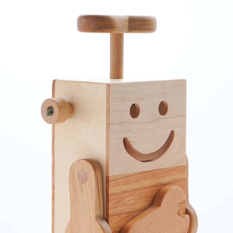 https://wooden-toy.net/cms/wp-content/uploads/2019/08/robot.jpg