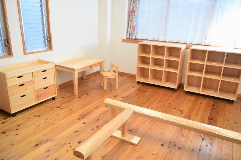 なかよしライブラリー 子ども家具