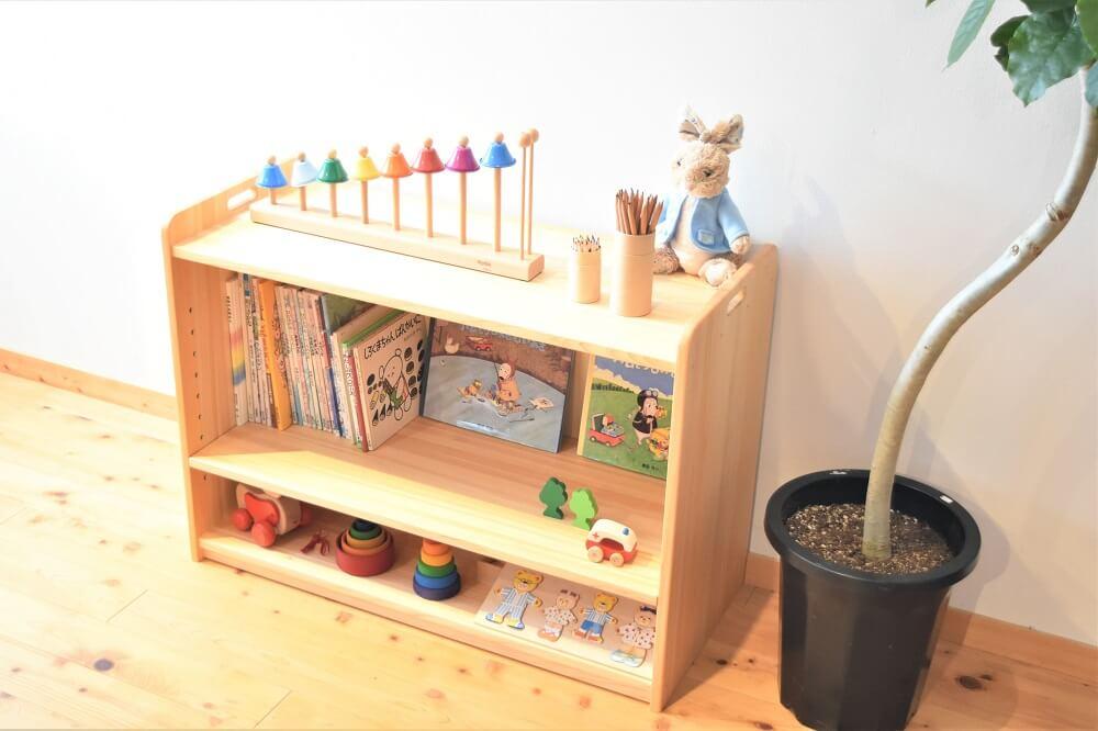 保育園おもちゃ棚