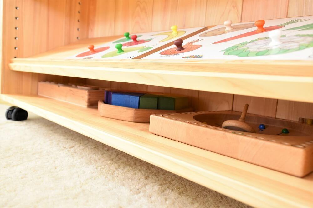 木製収納棚
