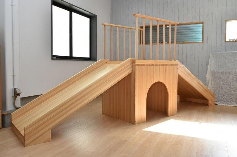 木製遊具滑り台