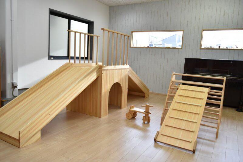 なかよしライブラリー木製遊具