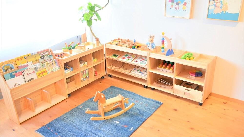 木製おもちゃ棚