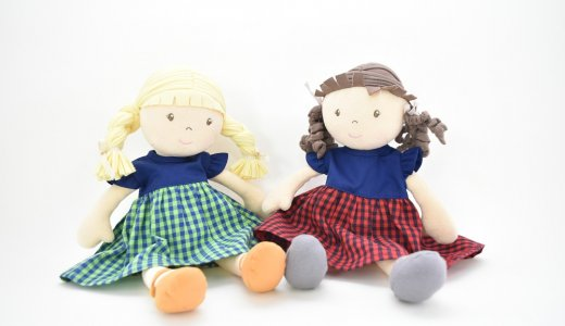 海外より着せ替え人形の洋服が到着